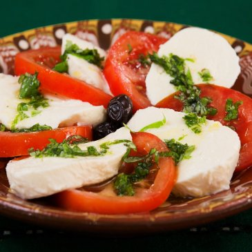 Tomato and mozzarella salad | EU food